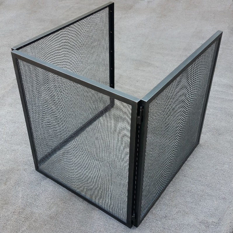 Three-Sided Folding Free-Standing Fire Screen